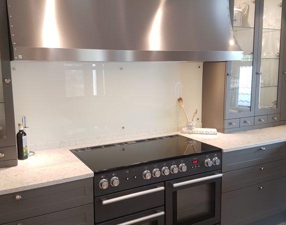Kjøkken fra Kjøkkengaarden med Nexus 110 Induksjon i fargen Skifergrå