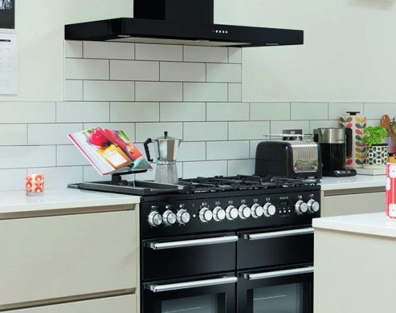 Moderne kjøkken med NEXUS SE Gass i fargen Sort