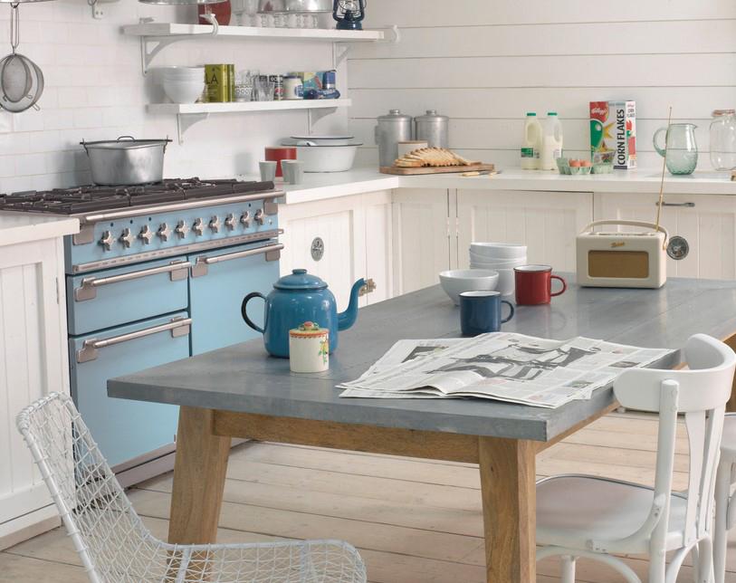 RoomLandlig kjøkken med Elise 110 Gass i fargen Kinablåsets