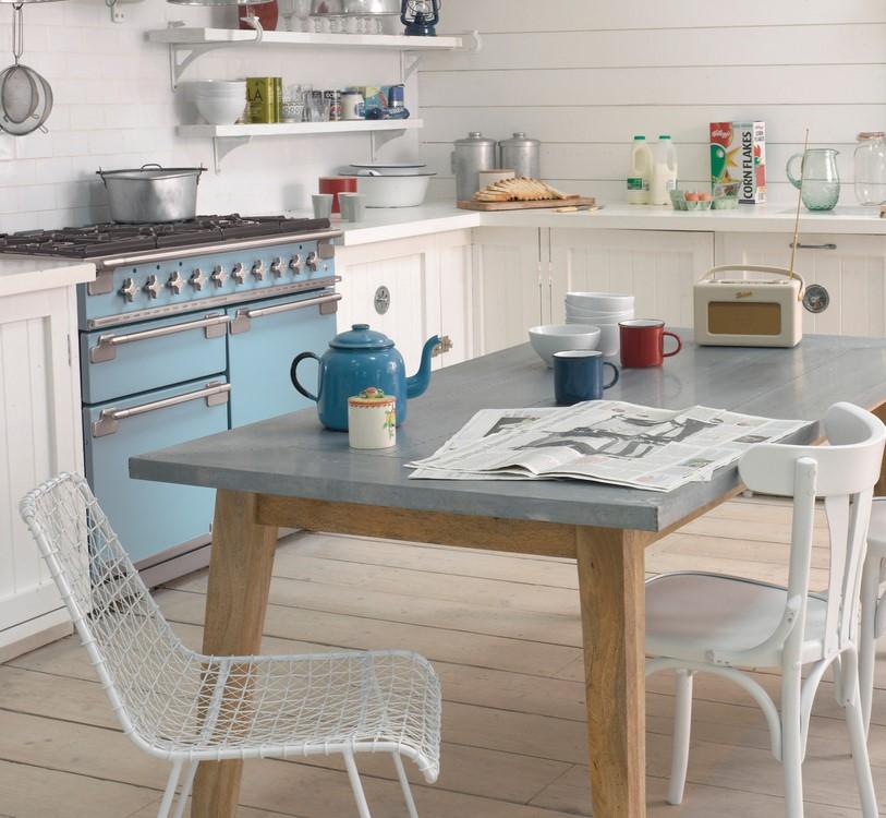Landlig kjøkken med Elise 110 Gass i fargen Kinablå
